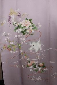 オーダー訪問着「花束・子猫物語」上前拡大図